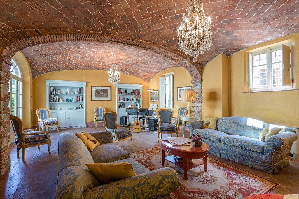 Borgo Bernaldini 15